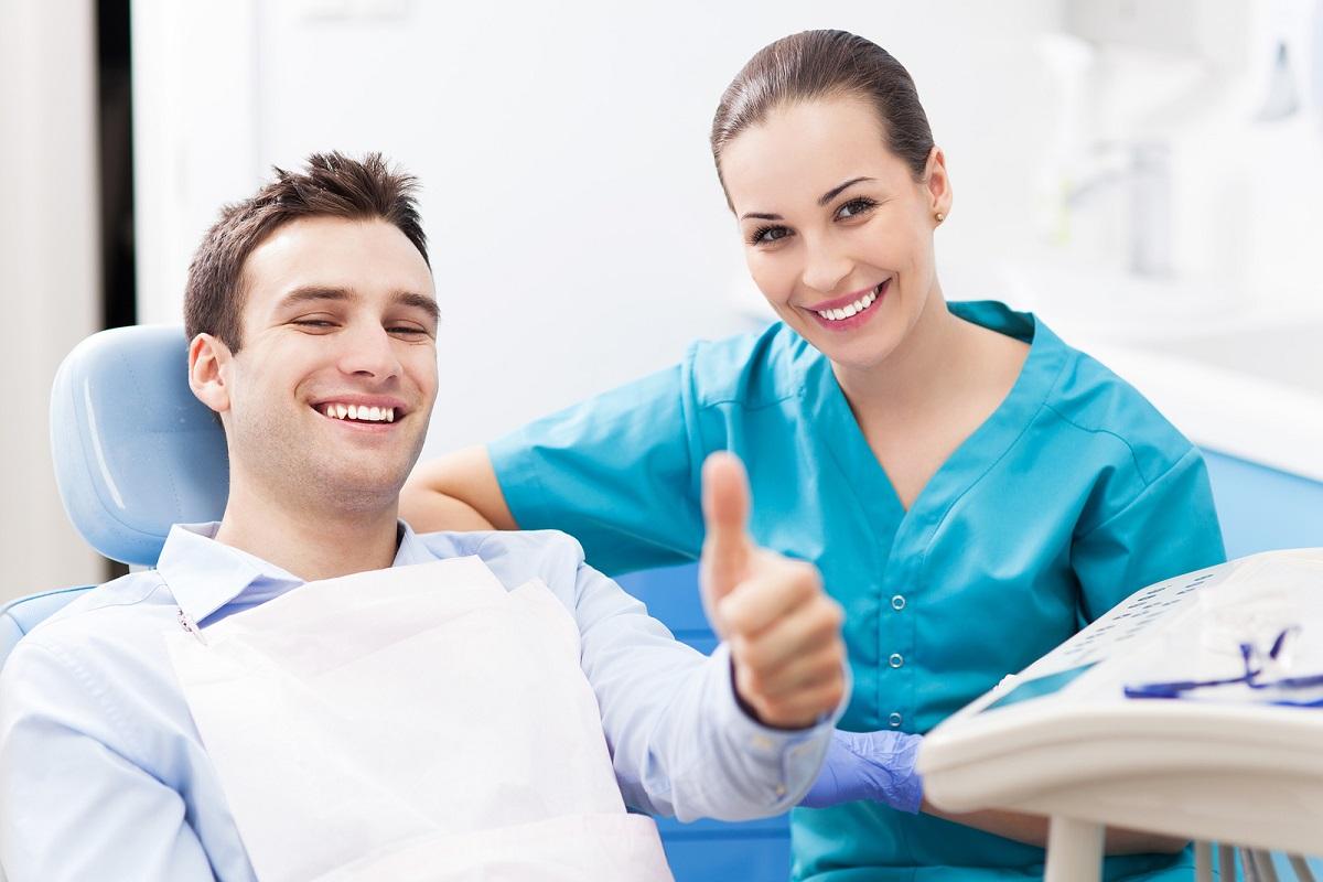 пациент обратился к стоматологу